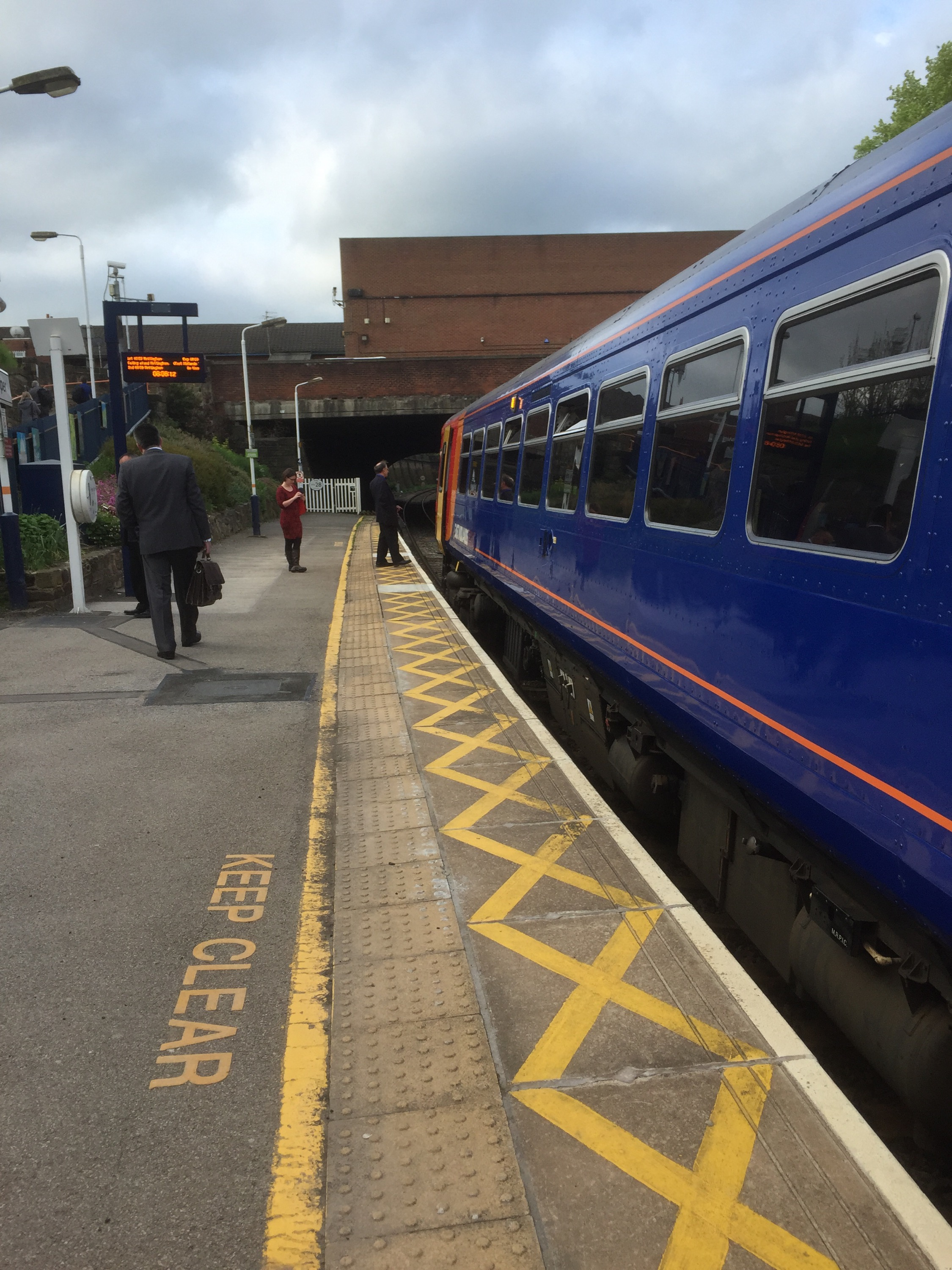 single carriage east midlands trains